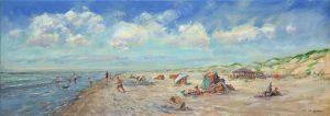Een strand met spelende kinderen op een zonnige dag. Olieverfschilderij door Jan van Loon.