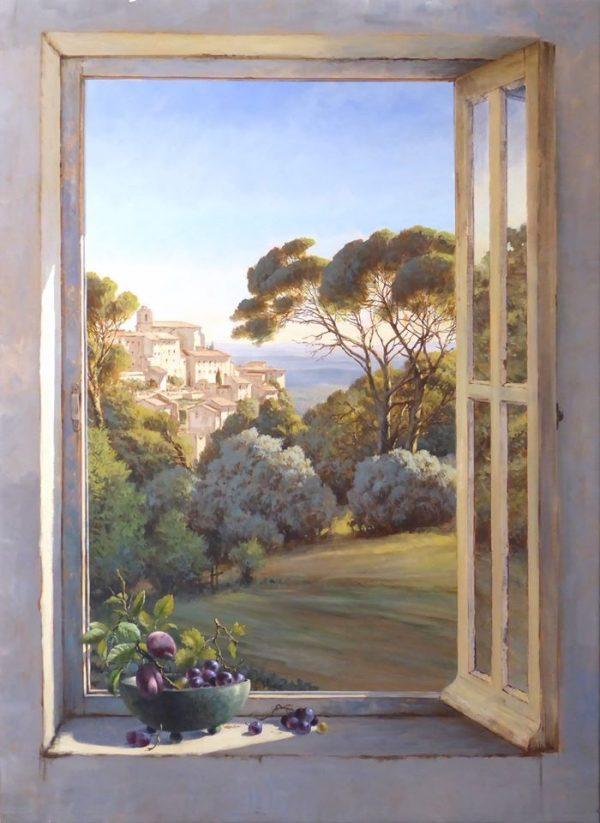 Italiaans landschap gezien door een geopend raam. Op de vensterbank een schaal met pruimen en druiven.