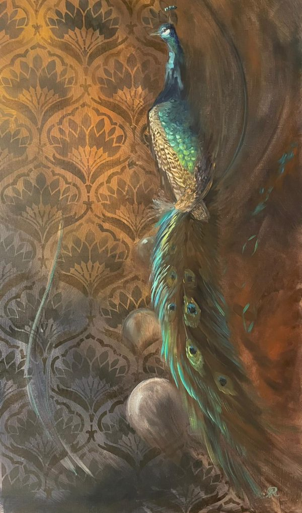 E peacock in front of wallpaper with feather structure.