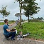 Jannes Koetsier schilder in de openlucht bij Woudsterweg
